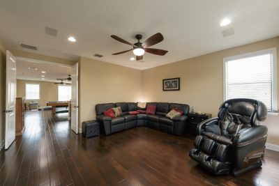Spanish Hickory Blackhills Wood Flooring in Living Room