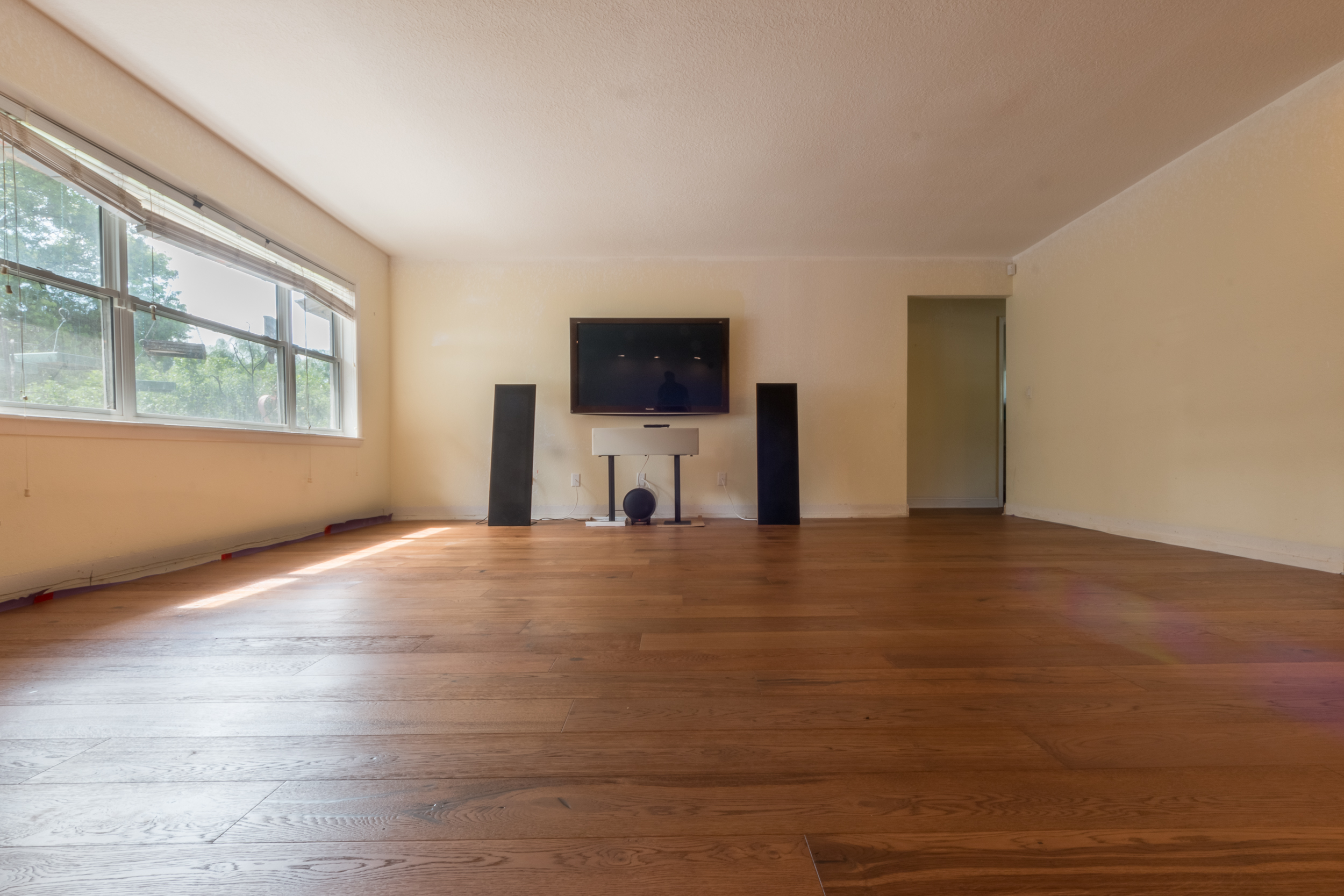European White Oak flooring entertainment room
