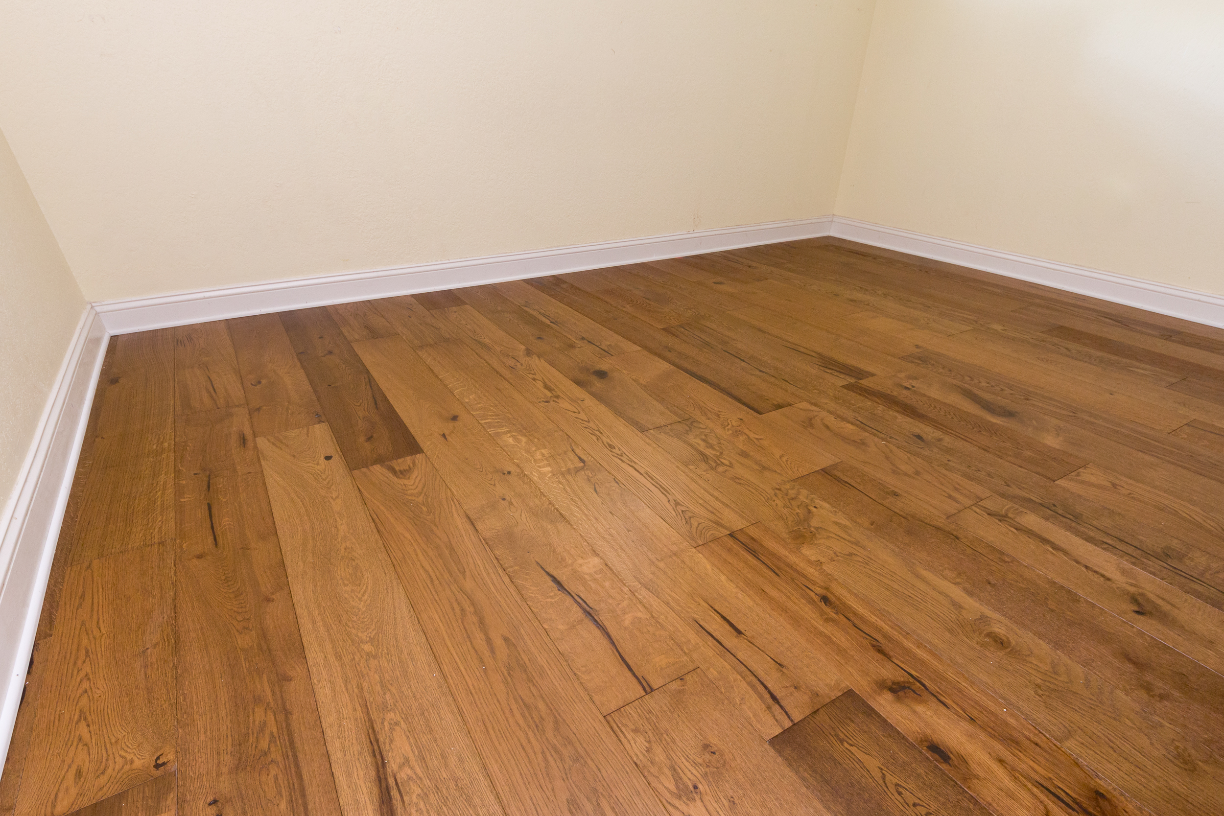 European White Oak flooring corner view